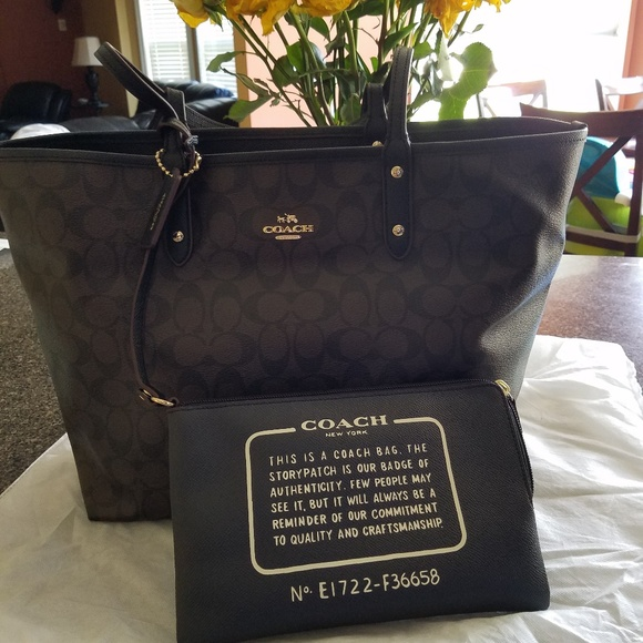 Coach Handbags - COACH TOTE WITH POUCH